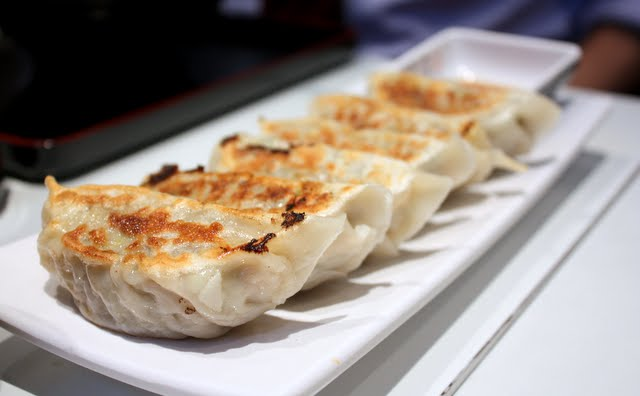 японские пельмени с креветками