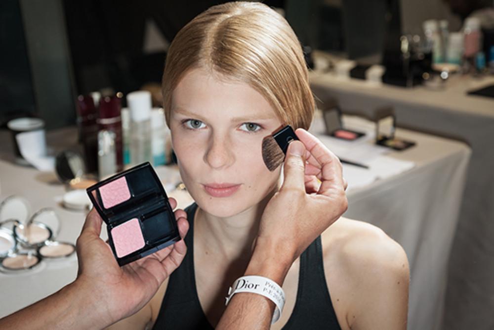 осенняя коллекция макияжа диор 2016