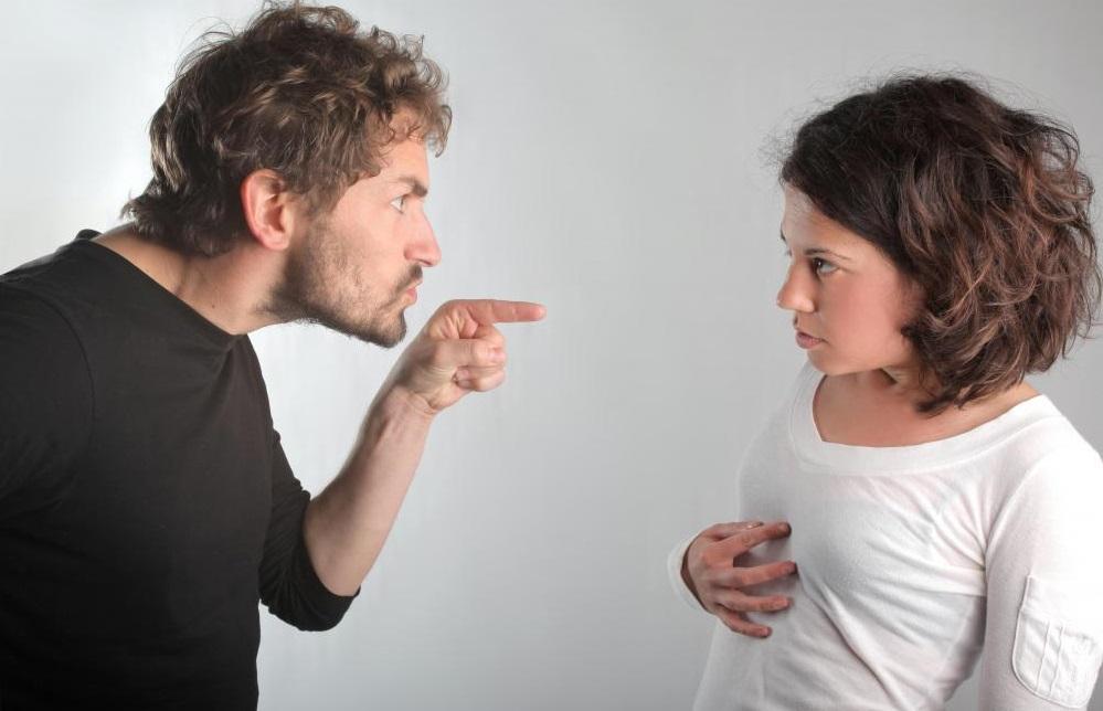 Эмоциональное насилие в отношениях — как найти выход из такой ситуации?
