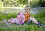 Ревность братьев и сестер: что делать?
